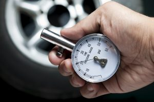 A Basic Handy Tire Pressure Gauge